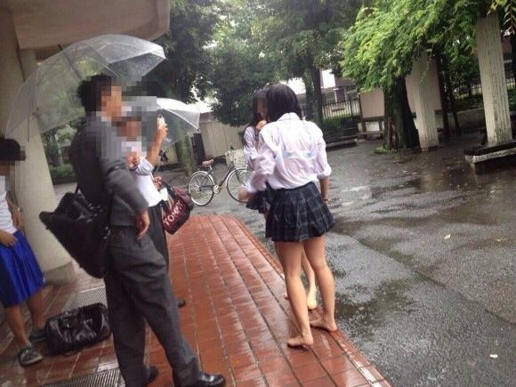 透けブラってえろい…雨とかまじ神だよなwwwwwwwwwwww(シロウト秘密撮影写真あり)