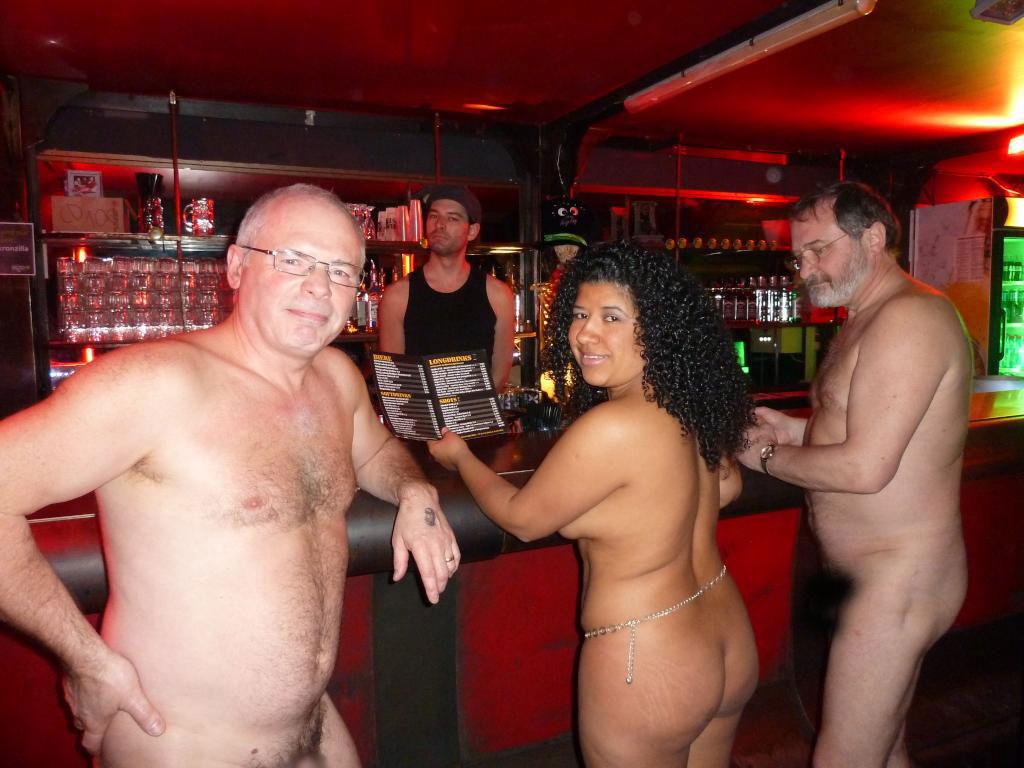 (※裸注意※)ドイツのぬーど・バーがすげぇぇぇぇ☆☆※写真あり