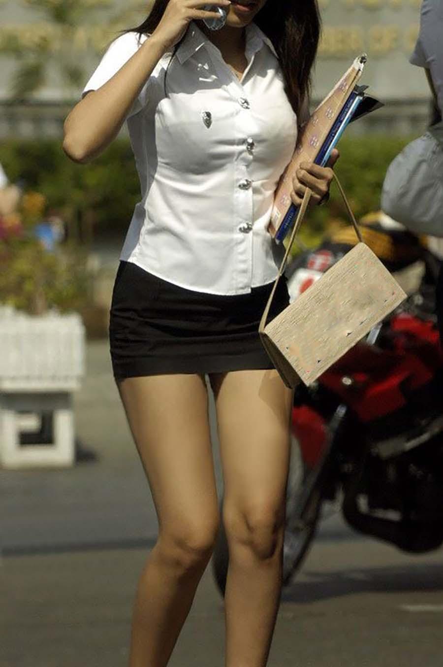 台湾の女子大学生が社内レディーさんみたいなセイフクでタイトスカートだしたまらんちーwwwwwwwwwwww(写真あり)