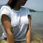ノーブラ女子の乳首ポッチの誘惑力が異常wwwwww(画像あり)