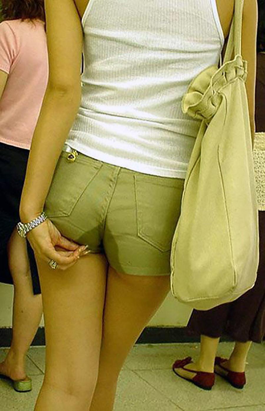 着衣お漏らしとかいう一番恥ずかしくてエロなお漏らしの仕方がコチラwwwwwwwwww(写真あり)