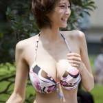 万人受け間違いなしの「スレンダー巨乳」のお姉さん!ヤレたら勝ち組wwwww(画像あり)