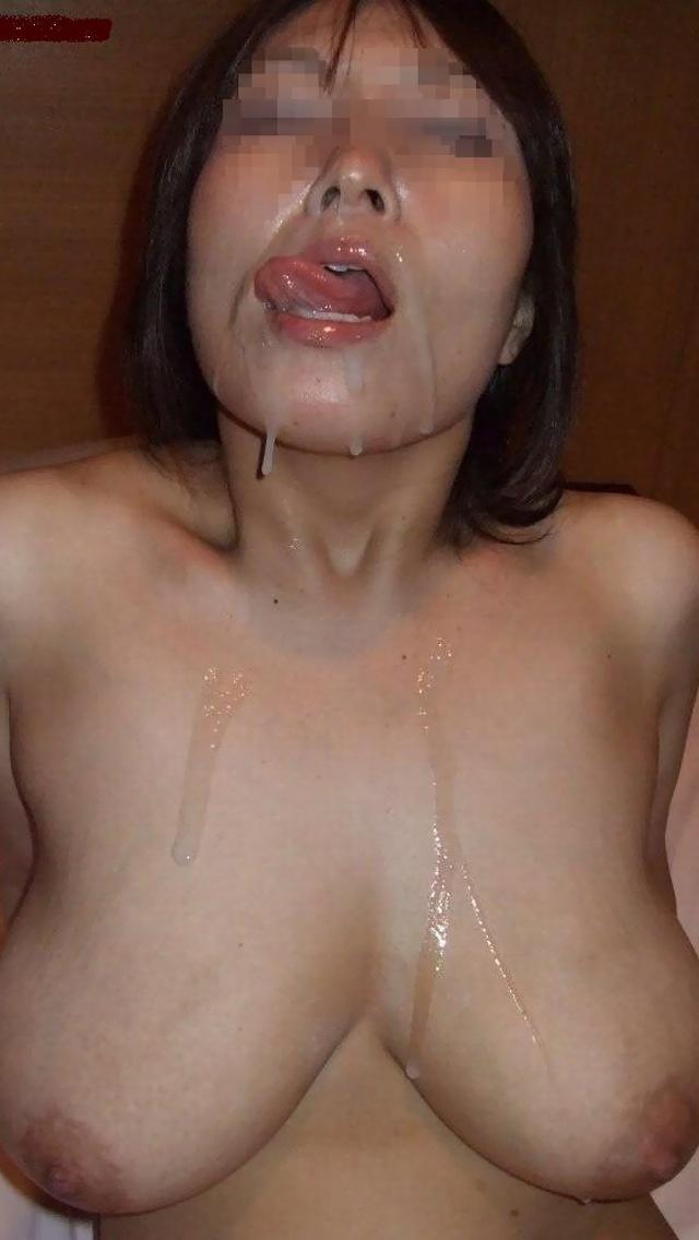 ガン射ぶっかけでざーめんまみれなのに心なしか嬉しそうなすけべ女wwwwwwwwww(写真あり)