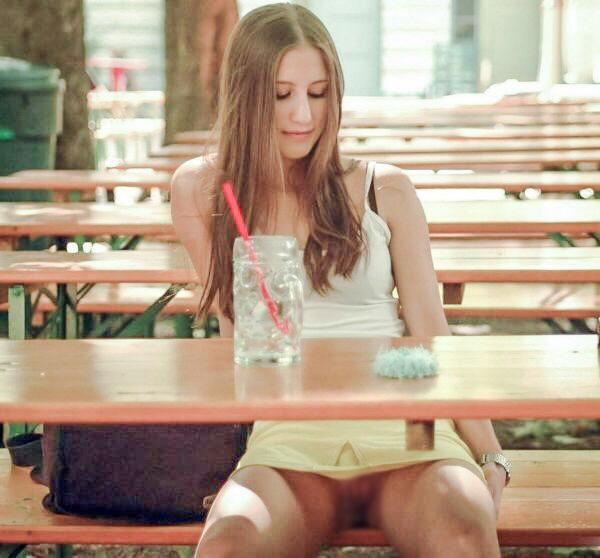 こんなモデルが☆?驚きを隠せない海外のノーパン事情wwwwwwwwwwww(写真あり)