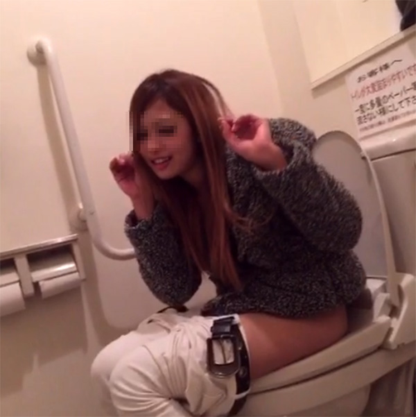 トイレしてるところをVINEでうpするビッチのキモチが理解できねえけどなんかえろいwwwwwwwwww(写真あり)
