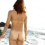 日焼け跡がクッキリ付いたお姉さんのフェチエロ画像21枚
