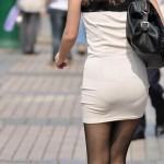 パンティー透けてて形も色も見えてしまってる素人さんの透けパン盗撮エロ画像