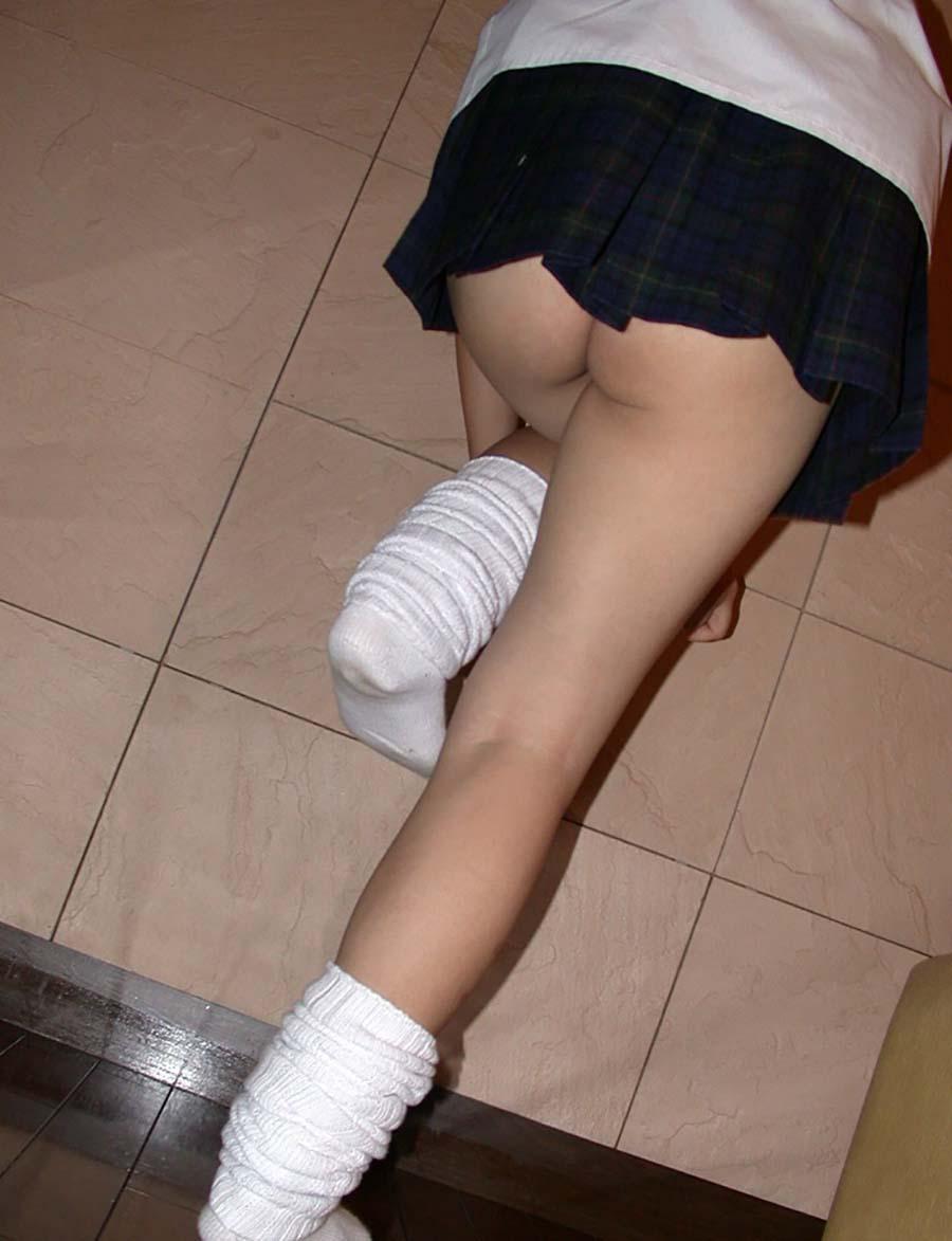 女子のお着替え中ってどうしてこんなにえろく見えるんだろうかwwwwwwwwww(写真あり)