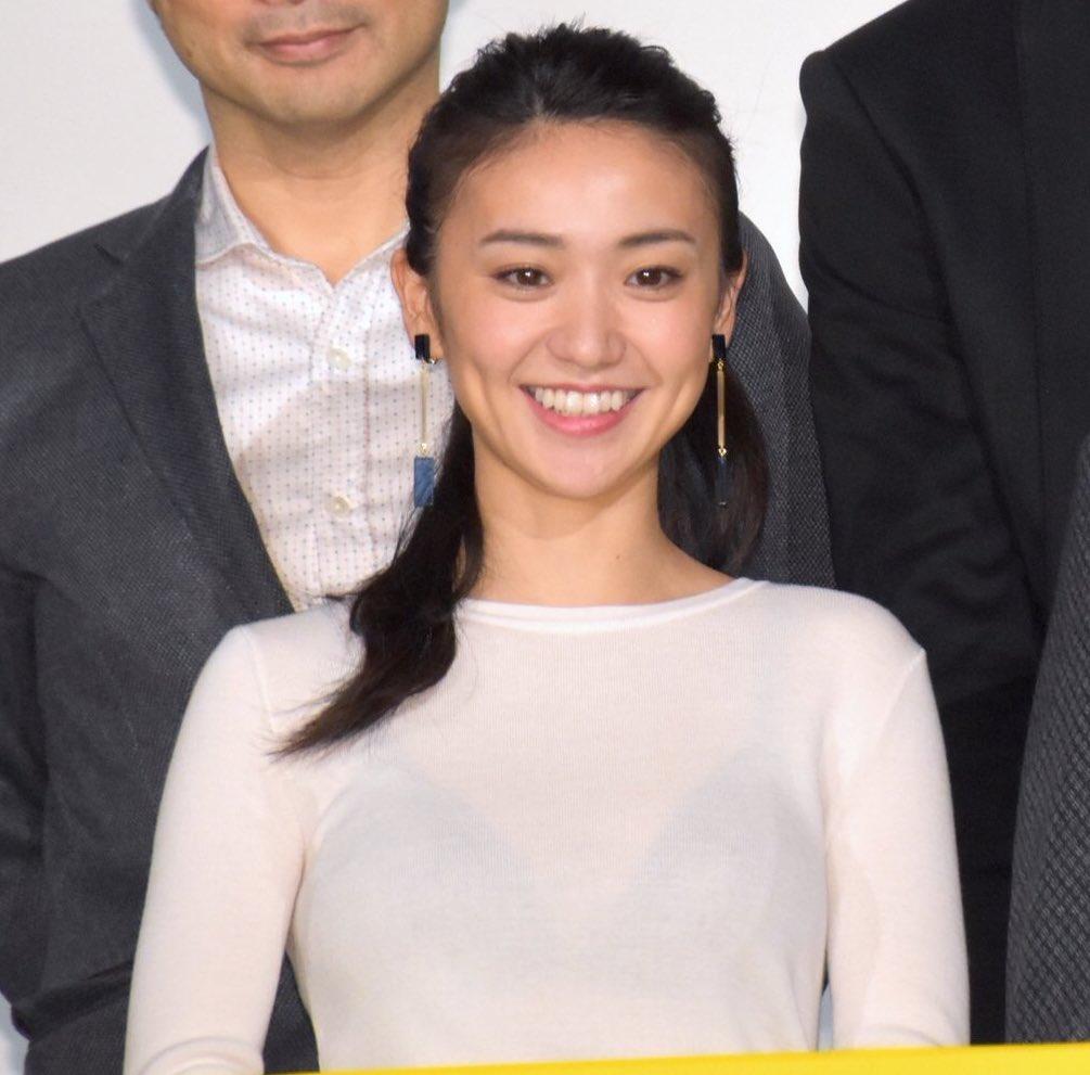 大島優子がもう透けブラ舞台挨拶で注目を引くぐらいしか手段がなくなってきたみたいだなwwwwwwwwww(写真あり)