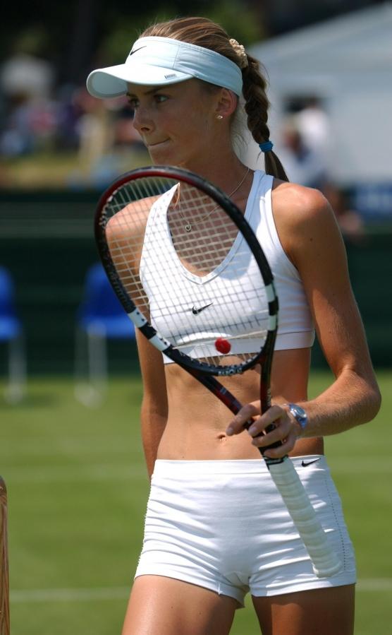 チクビポッチにマンスジ…女子テニス選手がハプニング多くてぐうシコwwwwwwwwww