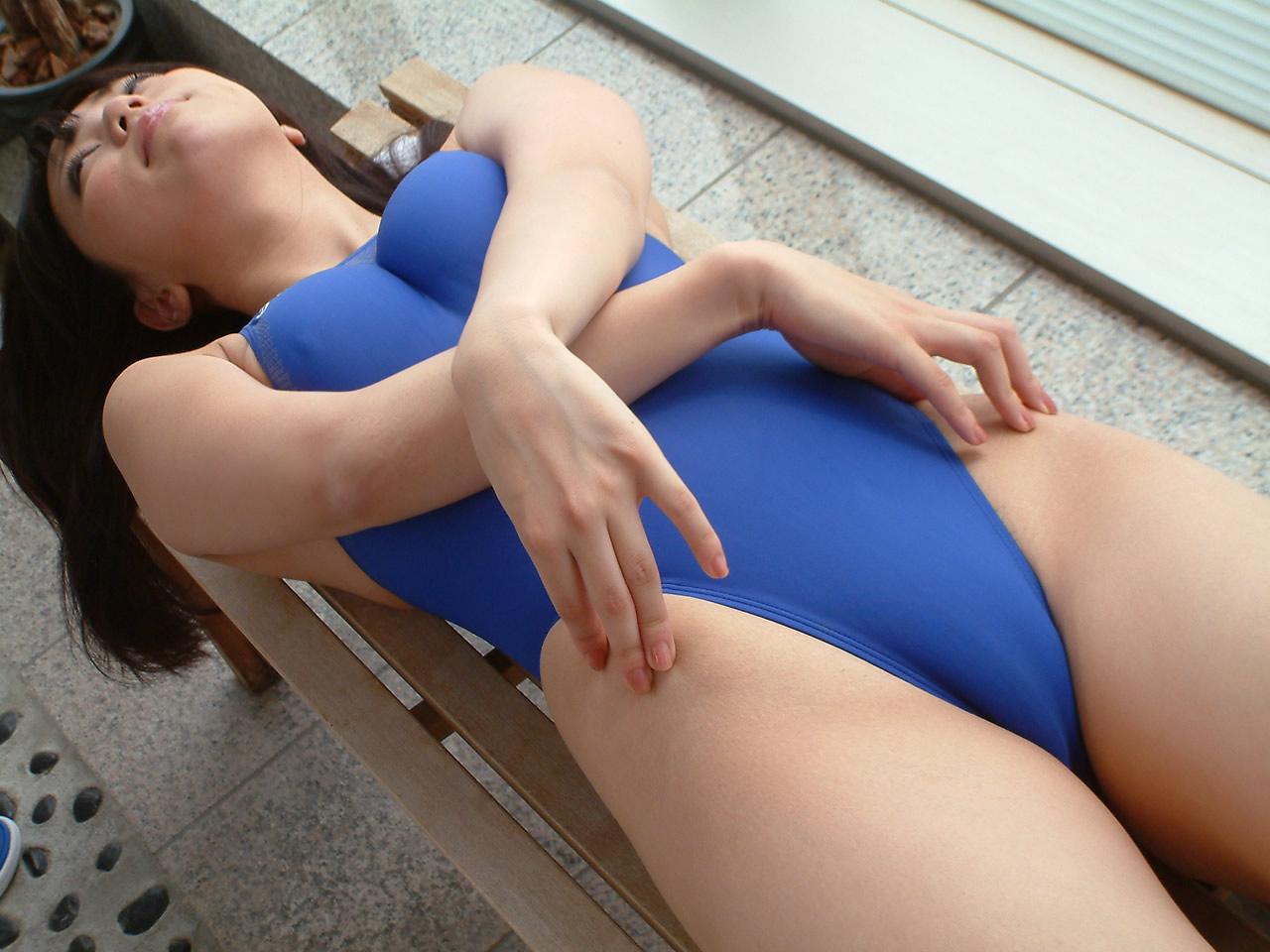 競泳水着が完全にエロコスプレ化してて抜けるエロ画像30枚