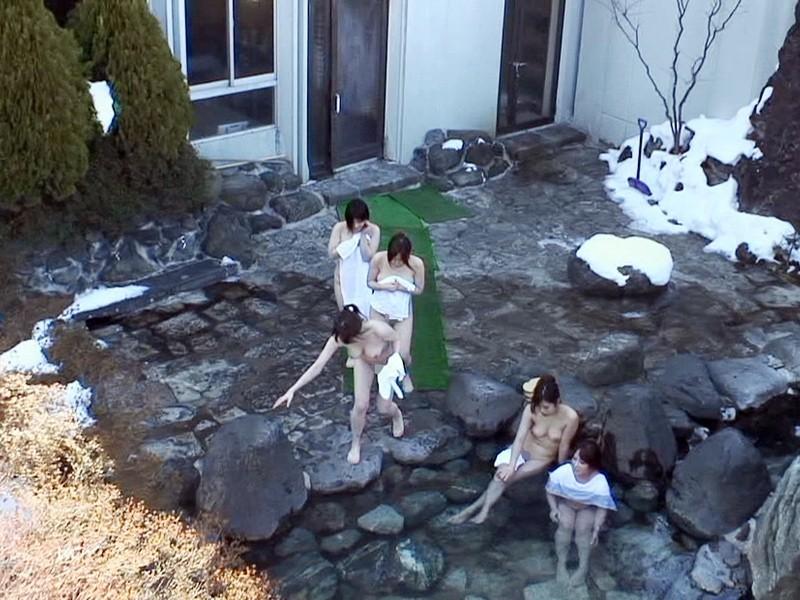 露天風呂盗撮の生々しいエロ画像20枚