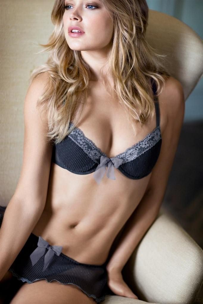 外国人美女のセクシーな下着姿のエロ画像26枚