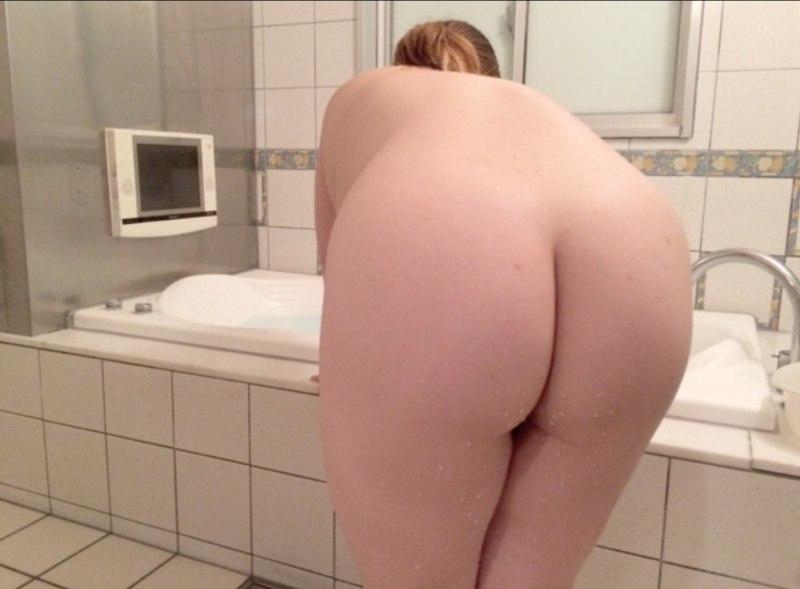 お風呂場限定のシロウトリベンジポルノえろ写真20枚