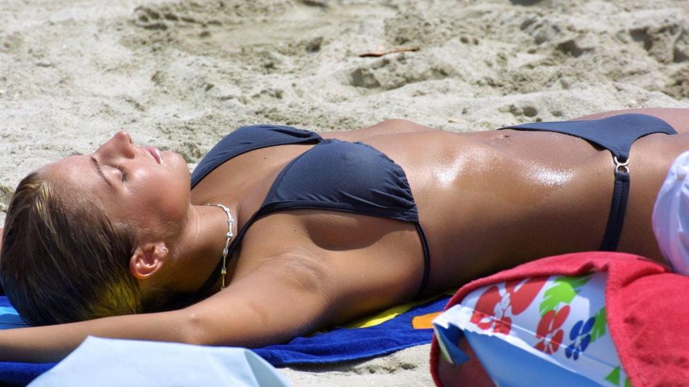 外国のビーチにはエロい美女たちでいっぱいらしいです!